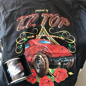 Medium ZZ Top 2014 new concert shirt with mug.